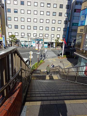 PARCO入口手前の階段正面の信号